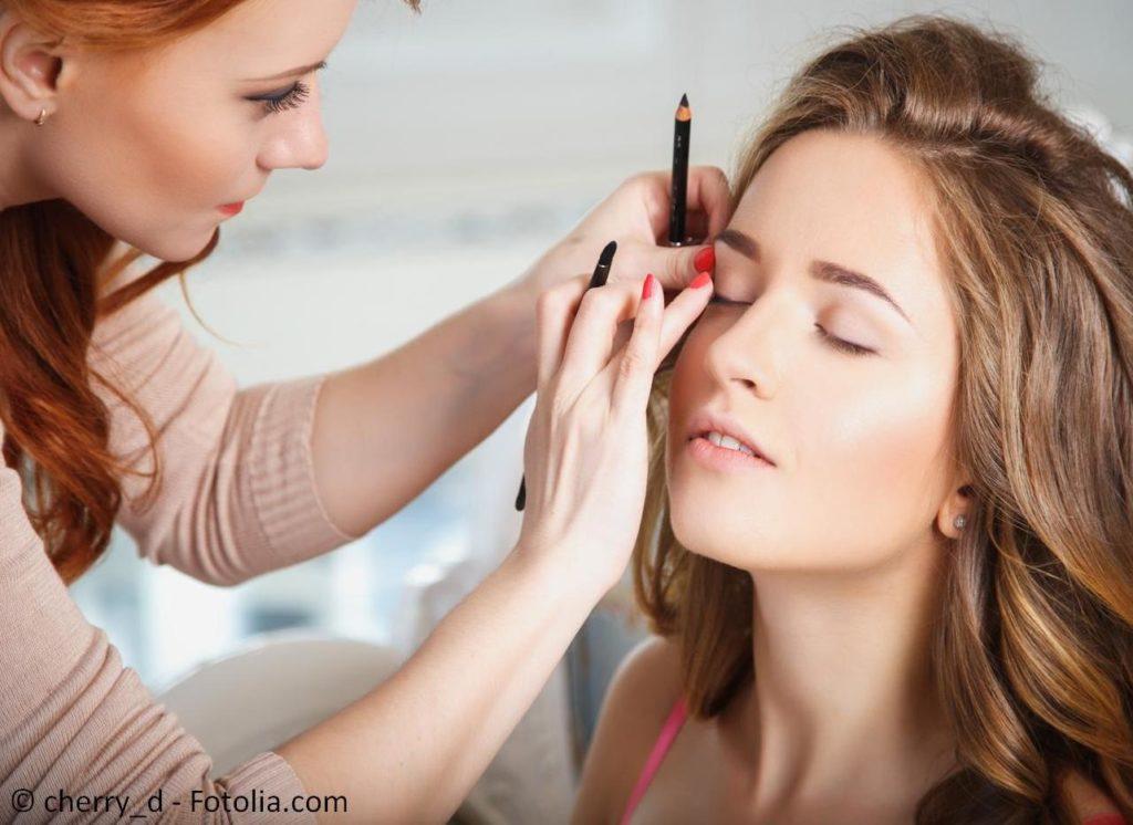 Wellness, Spa, Beauty, Styling und Kosmetik für den perfekten Look zur Hochzeit - #105271003   © cherry_d - Fotolia.com